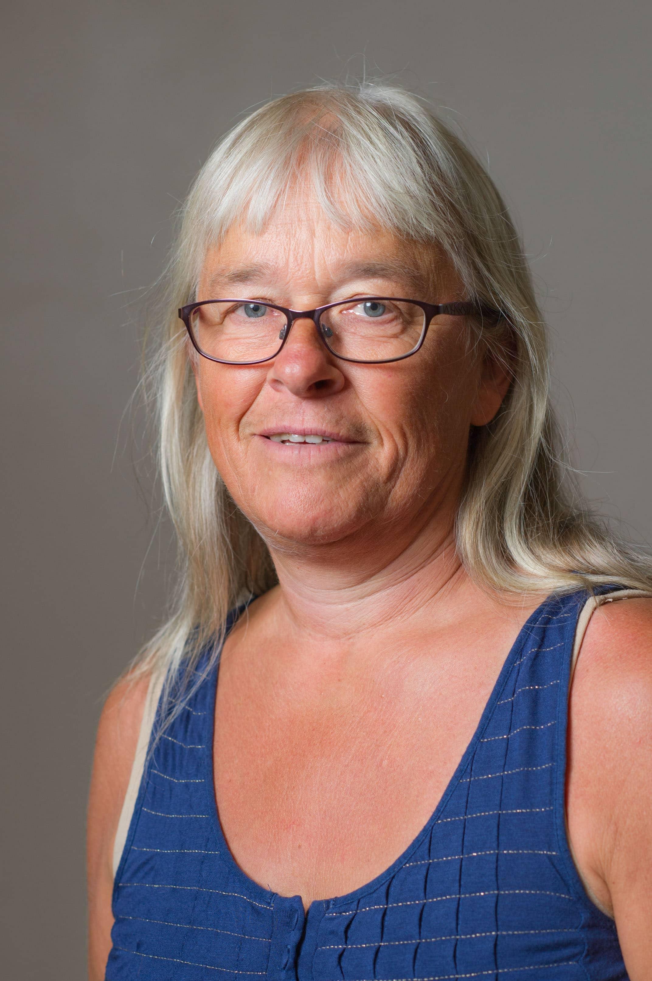 Hanne-Grete Lund (HL)