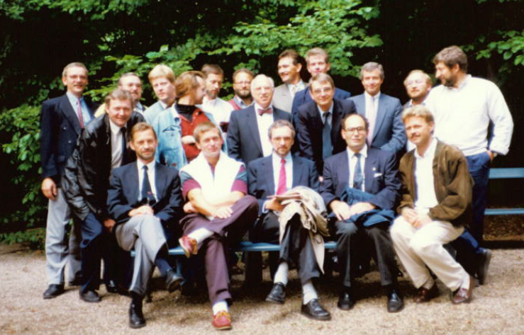 klassebillede 25 år senere